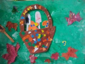 Panier à champignons en collage et peinture