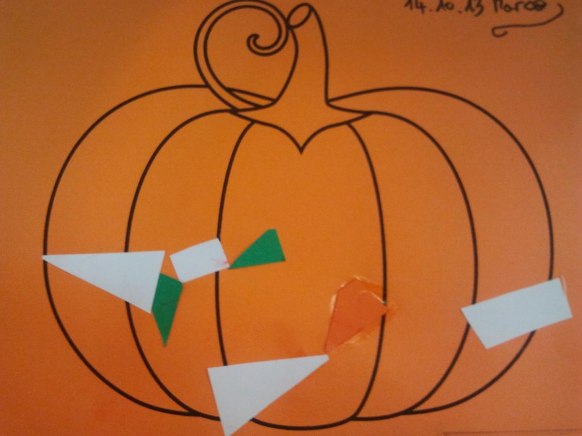 Citrouille d 39 halloween d cor e de p pins education - Citrouille halloween en papier ...