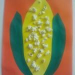 Activité manuelle pour fabriquer un Épi de maïs décoré de pop-corn