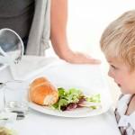 Faire manger de nouveaux aliments à son enfant