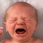 image d'un bebe qui pleure