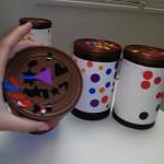 tambours décoré de gommettes
