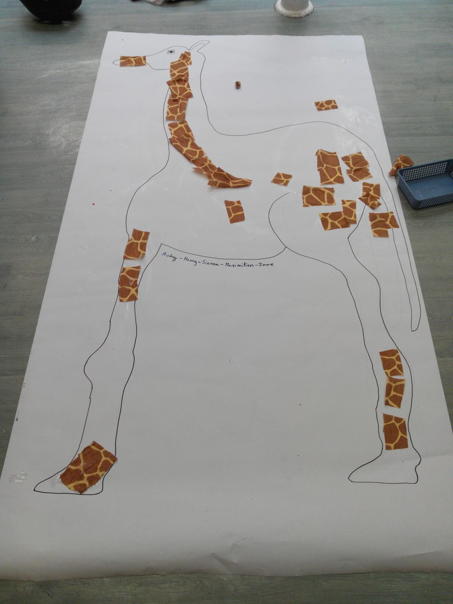 Girafe en papier cr pon et collage education - Activites manuelles papier crepon ...