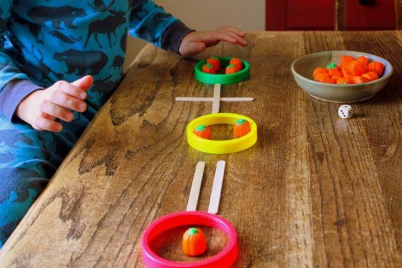 Apprendre à compter en fetant halloween (Dès 3 ans)