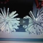 Boules de noel brillantes avec du papier aluminium