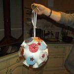 Calendrier de l'avent en forme de boule de noel