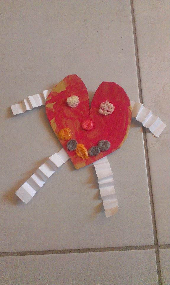 Saint valentin bricolage d un bonhomme rigolo en forme de - Idee activite saint valentin ...