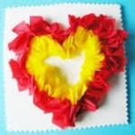coeur en papier crépon- cadeau fête des mères (Dès 3 ans)