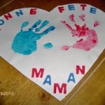 Coeur avec empreintes de mains pour la fete des mères (Dès 2 ans)