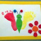 Activité créative peinture Papillon réalisé avec les empreintes de pied des enfants