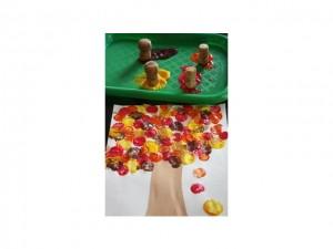 activit manuelle pour l automne peinture et feuilles education. Black Bedroom Furniture Sets. Home Design Ideas