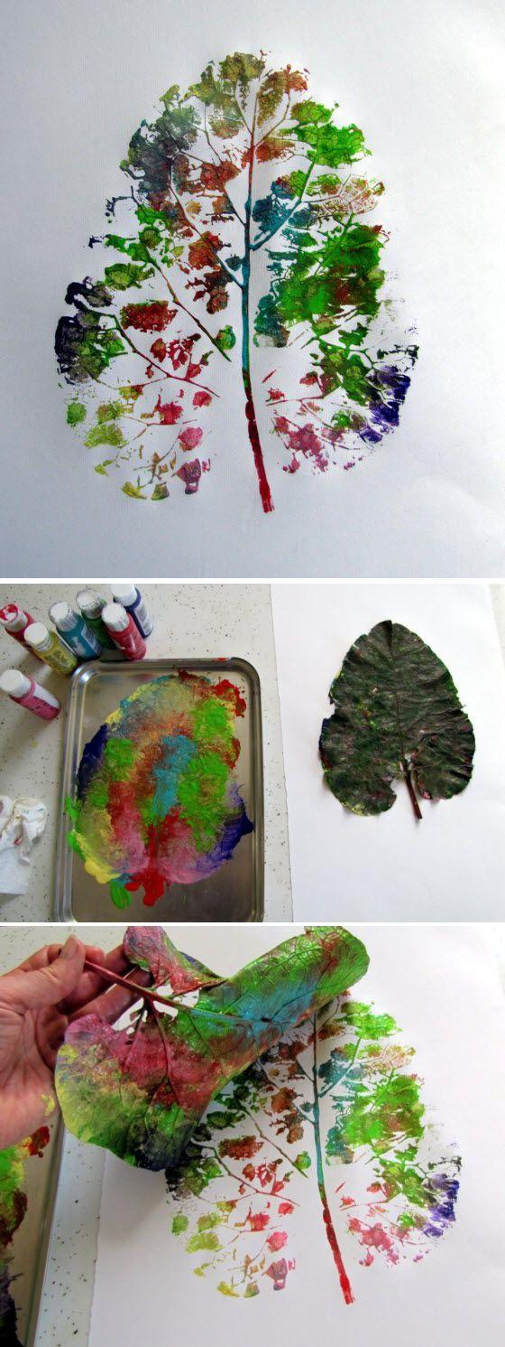 Pour faire des empreintes de feuilles à la peinture
