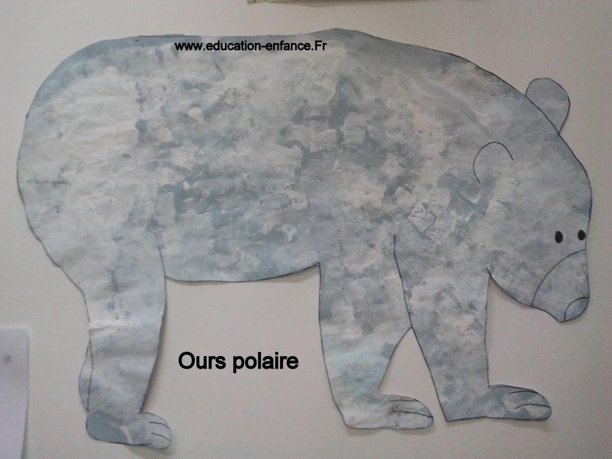 Ours polaire en peinture à l'éponge