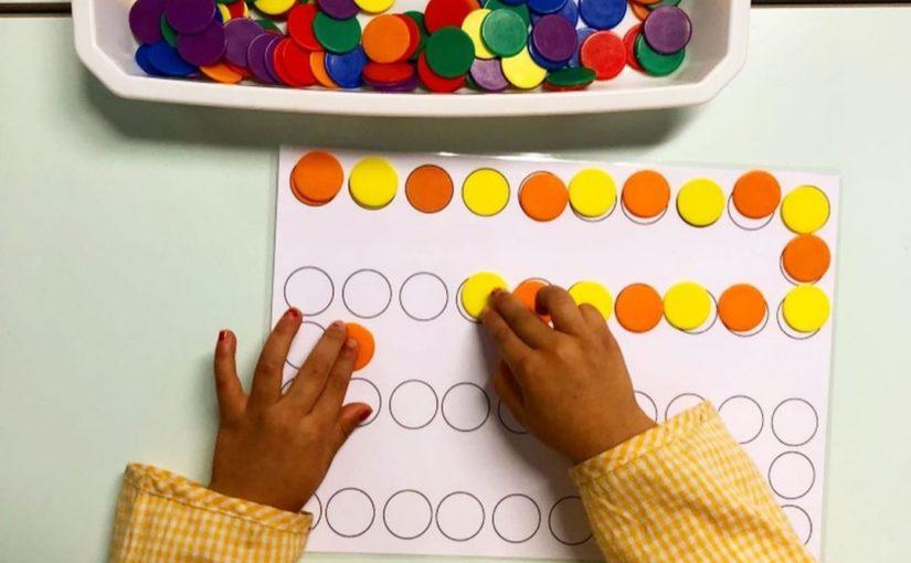 Activité Montessori: Les algorithmes de couleurs