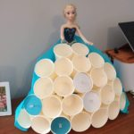 Fabriquer le calendrier de l'avent de la reine des neiges en gobelets en plastique