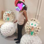 Bonhomme de neige à fabriquer en gobelets en plastique